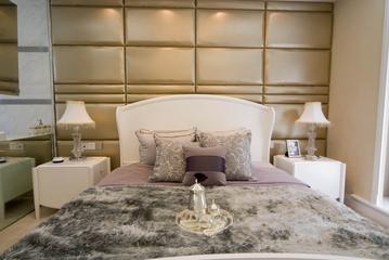 豪华欧式风次卧软包背景墙