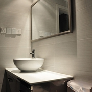 64平清爽两居室欣赏卫生间吊顶