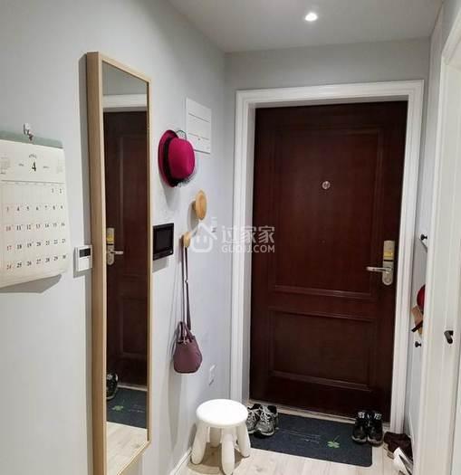 88平二居室的客厅加一扇隐形门多一间卧室,省一间买房的钱!