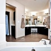 现代黑白灰别墅设计套图卫生间全景