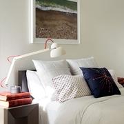 现代简约设计卧室床品