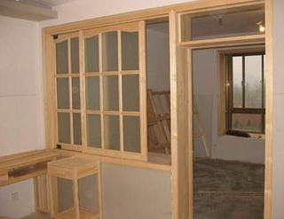 如何验收木门窗