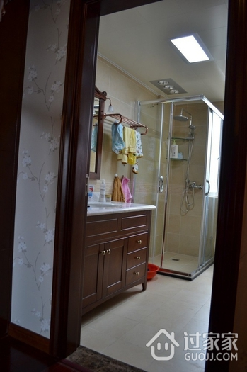 102平新中式住宅欣赏卫生间吊顶