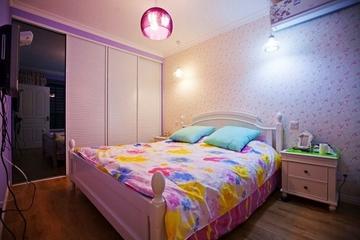 79平温馨小居欣赏卧室衣柜