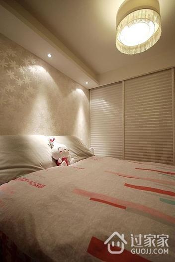 62平简约清新两居室欣赏卧室衣柜