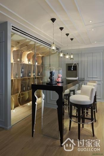 蓝色顶层复式公寓欣赏酒柜