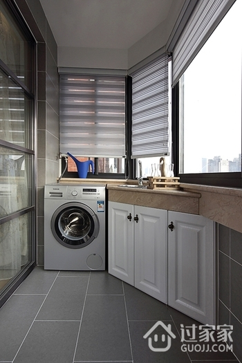 78平白色现代住宅欣赏阳台