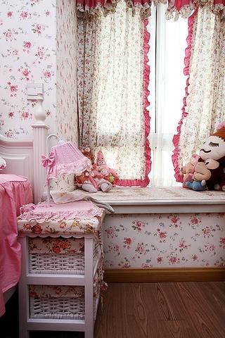 86平地中海三居室欣赏儿童房飘窗