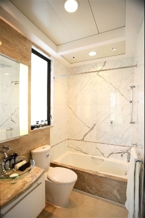 新古典三居室案例设计欣赏卫生间吊顶