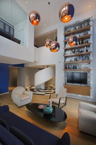 现代简约复式公寓效果图