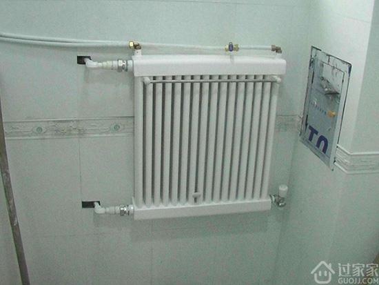 冬天洗澡太冷,卫生间取暖用浴霸、暖气片、地暖哪个更好?