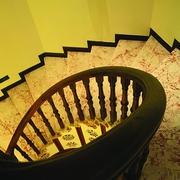 古典风旋转楼梯