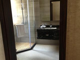 89平简约三居室欣赏卫生间室内门