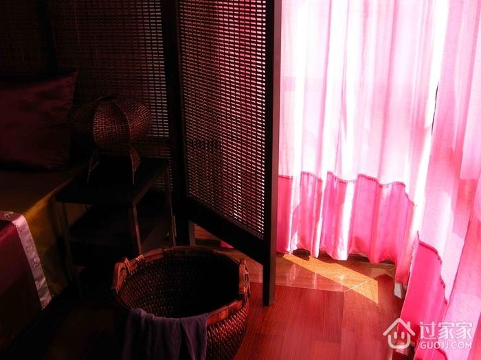东南亚复式卧室陈设