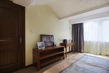122平现代舒适三居欣赏卧室局部