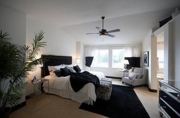 226平现代风格别墅欣赏卧室