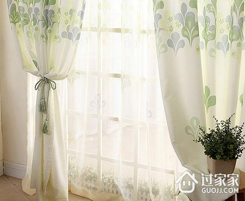 卧室窗帘该如何搭配