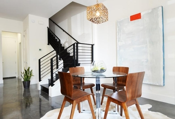 现代风格别墅效果图餐桌
