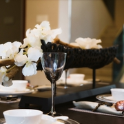 现代中式餐桌花艺效