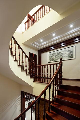 230平中式奢华别墅欣赏楼梯间