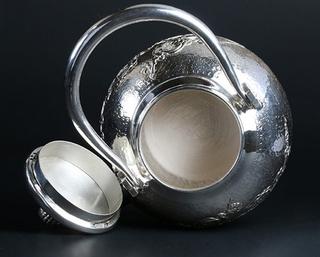 揭秘银茶具的六大主要功效