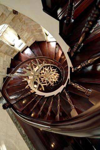 120平典雅混搭住宅欣赏楼梯间