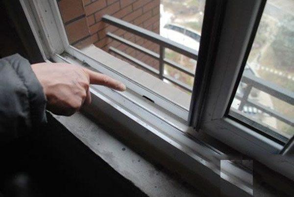 邻居家冬天特暖和,一问才知道原来窗户安装用了密封条!