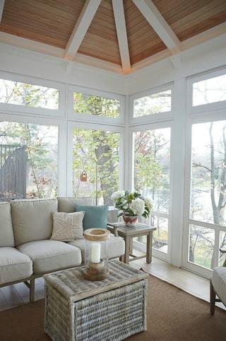 白色美式风四居室欣赏阳台设计