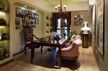 美式风乡村住宅欣赏书房照片墙