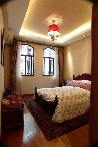 美式田园风三居欣赏卧室吊顶设计