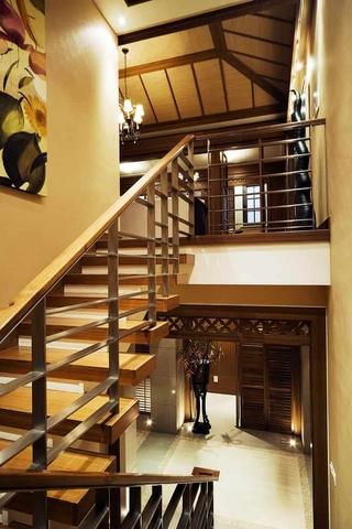 122平混搭风格复式欣赏楼梯间设计