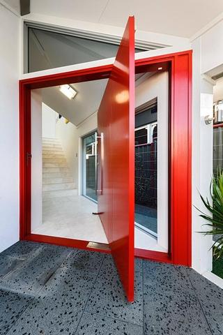 现代风格住宅欣赏室内门