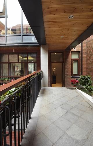 温馨新古典样板房欣赏阳台