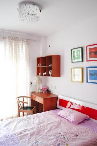 现代风格装修设计卧室