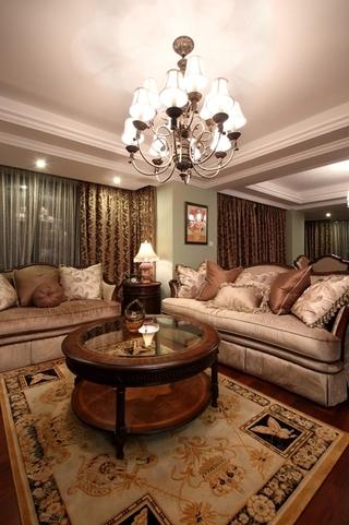 130平美式四室两厅欣赏客厅陈设