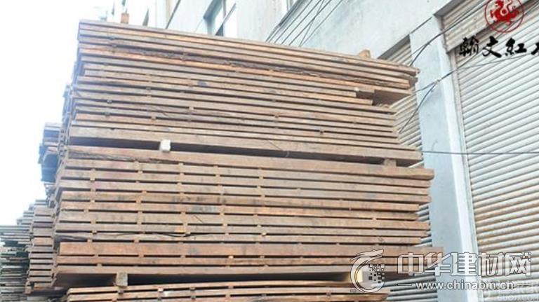 木材長期儲存量1萬噸 柬埔寨黑酸枝巨頭翰文紅木的秘密