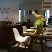自然木色餐厅餐桌摆设 温暖和睦的家