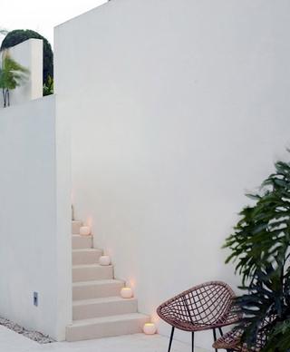 白色度假现代别墅欣赏庭院